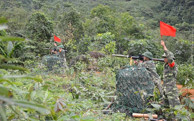 Các khẩu đội hỏa lực chuẩn bị tiêu diệt mục tiêu trong diễn tập KVPT huyện 2019