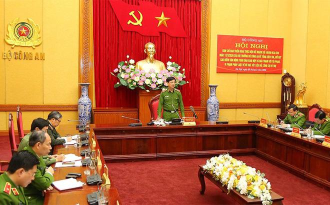 Thiếu tướng Nguyễn Duy Ngọc phát biểu buổi mở đợt cao điểm.