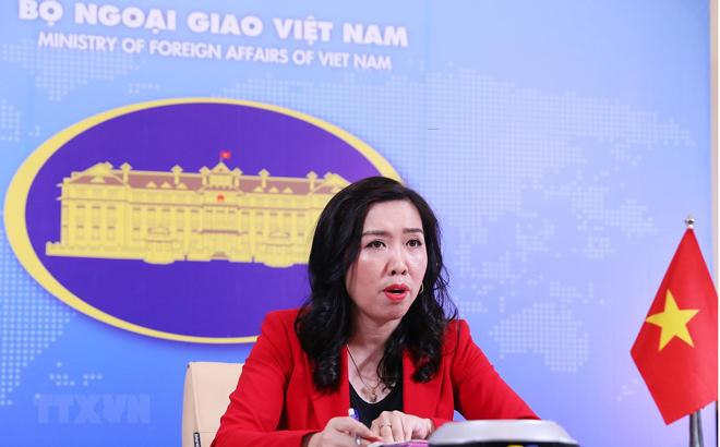 Người phát ngôn Bộ Ngoại giao Lê Thị Thu Hằng trả lời trực tuyến các câu hỏi của phóng viên trong nước và quốc tế.
