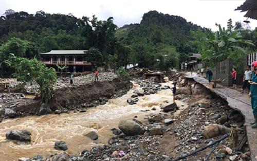 Với lượng mưa phổ biến cả đợt từ 30 – 50mm, có nơi 100 – 150mm, người dân cần đề phòng lũ ống, lũ quét và sạt lở đất. (Ảnh minh họa)