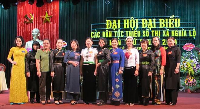Cán bộ phụ nữ cấp ủy thị xã tiêu biểu tham gia Đại hội đại biểu các dân tộc thiểu số thị xã Nghĩa Lộ lần thứ II, năm 2019.