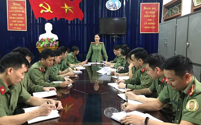 Cán bộ, đảng viên Phòng An ninh đối ngoại triển khai nhiệm vụ.
