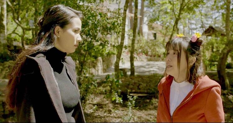 Hai diễn viên Phan Thị Mơ (vai Hương - trong hình tượng Thúy Kiều thời @) và Cao Thái Hà (vai Phấn - trong hình tượng Thúy Vân thời @).