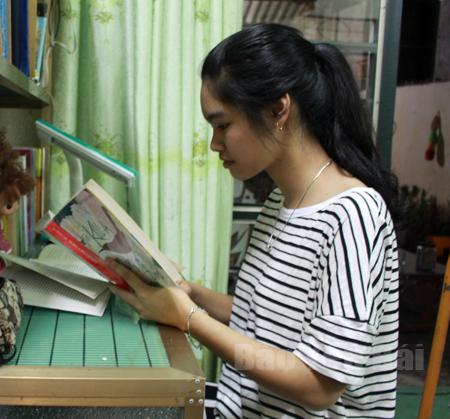 Phương pháp để Nguyễn Thùy Dương học tốt tiếng Anh chính là tự học.