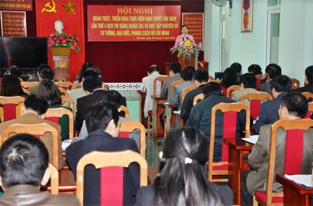 Đảng ủy Khối các cơ quan tỉnh tổ chức học tập, quán triệt Nghị quyết Trung ương 4 (khóa XII) gắn với chuyên đề học tập và làm theo tư tưởng, đạo đức, phong cách Hồ Chí Minh.
