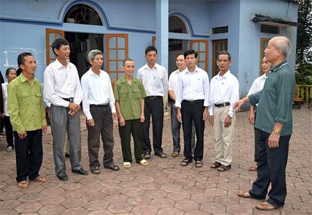 Ông Nguyễn Văn Quyền vận động giáo dân trong Giáo họ Bảo Long thực hiện tốt các chủ trương của Đảng, pháp luật của Nhà nước và xây dựng mối đoàn kết lương giáo.
