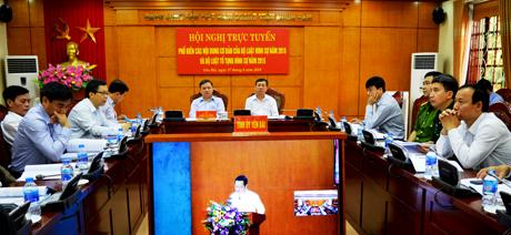 Các đại biểu tại điểm cầu Yên Bái tiếp thu nội dung cơ bản của hai bộ luật.