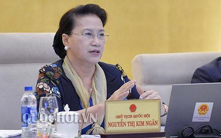 Chủ tịch Quốc hội Nguyễn Thị Kim Ngân phát biểu tại phiên họp.