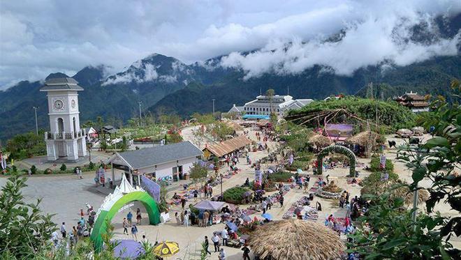 Lượng du khách lớn đến Sapa khá lớn là một trong những cơ sở quan trọng để quyết định đầu tư CHK Sapa