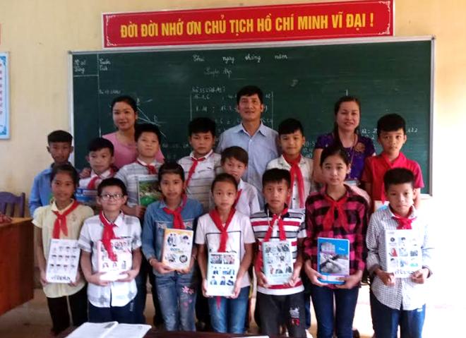 Dòng họ Sa, xã Cát Thịnh thường xuyên phối hợp với nhà trường quan tâm động viên việc học hành của con em trong họ.