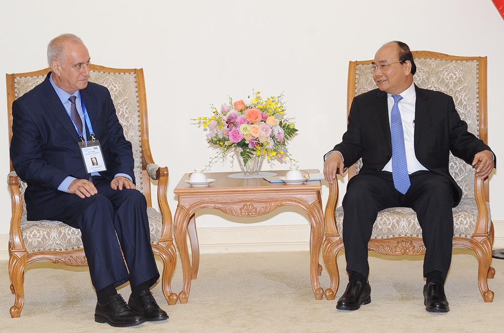 Thủ tướng Nguyễn Xuân Phúc tiếp đoàn các hãng thông tấn tham dự Hội nghị lần thứ 44 Ban chấp hành Tổ chức các hãng thông tấn châu Á-Thái Bình Dương tại Hà Nội
