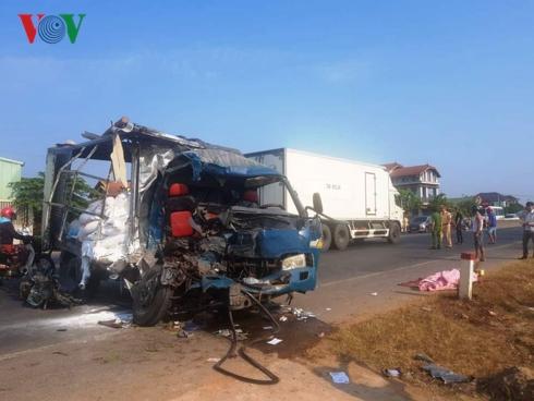Hiện trường vụ tai nạn nghiêm trọng khiến 3 người thương vong.