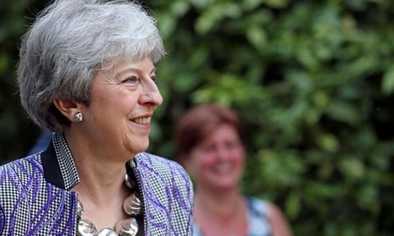 Thủ tướng Anh tránh được cuộc bỏ phiếu bất tín nhiệm tại đảng Bảo thủ.