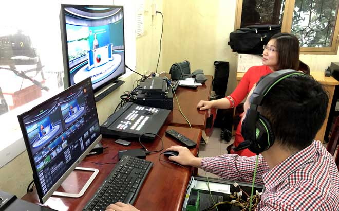 The Yen Bai Department of Education and Training has partnered with the province's portal to broadcast televised lectures for ninth and twelfth graders in the province.