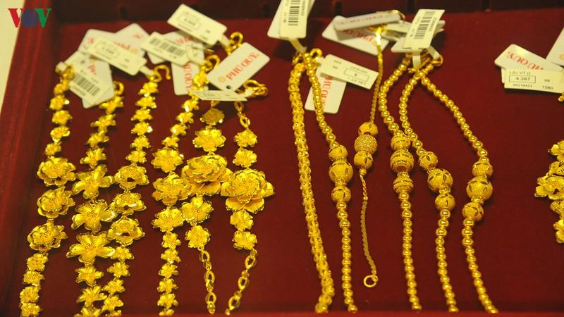 Giá vàng trong nước tăng mạnh, trở lại mốc 48 triệu đồng/lượng.