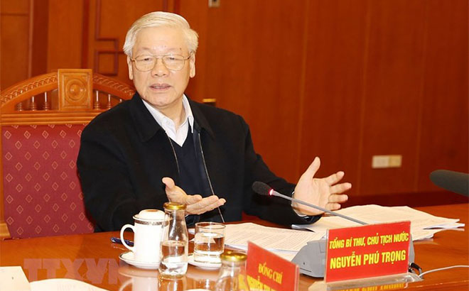 Tổng Bí thư, Chủ tịch nước Nguyễn Phú Trọng yêu cầu Tổ Biên tập tiếp tục hoàn thiện các dự thảo báo cáo, trình Bộ Chính trị cho ý kiến, kịp thời phục vụ đại hội đảng bộ cơ sở.
