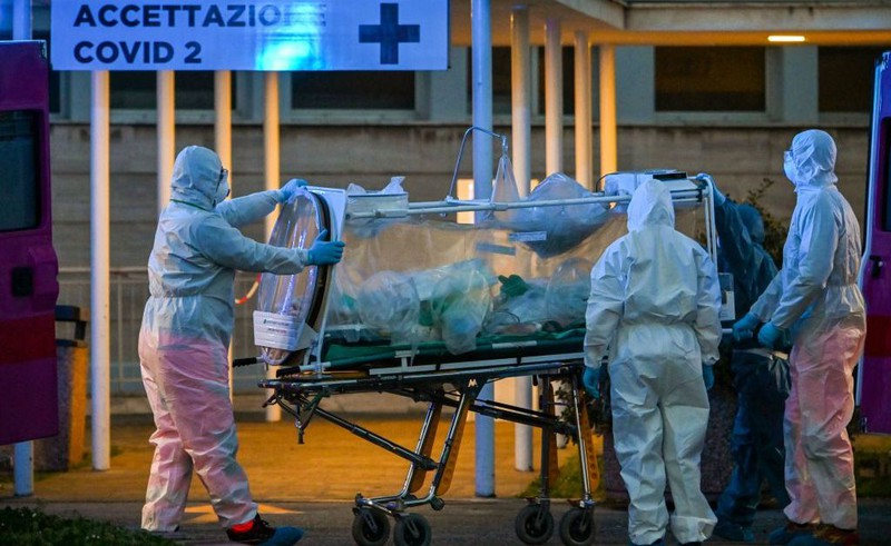 Dù dịch Covid-19 tại Italy đã bắt đầu bước vào giai đoạn đi xuống nhưng số ca tử vong và mắc mới vẫn ở mức cao.