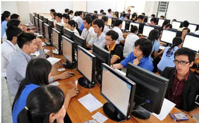 Từ 1-7-2020, khi Luật Cán bộ, công chức sửa đổi có hiệu lực thì sinh viên tốt nghiệp xuất sắc, nhà khoa học trẻ tài năng sẽ được tuyển dụng công chức thông qua xét tuyển.