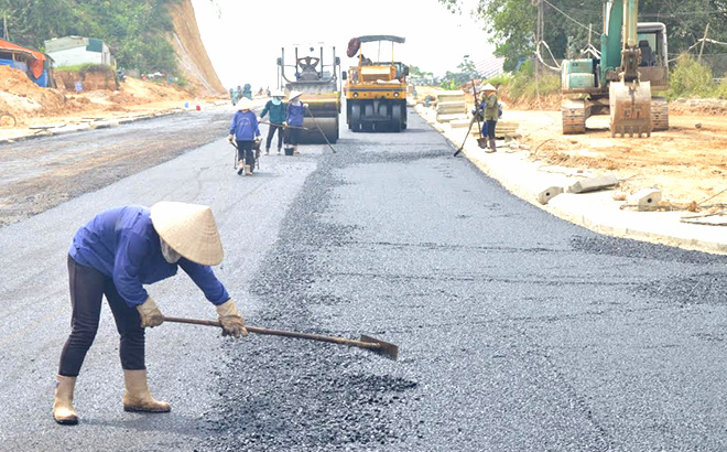 Các công trình trọng điểm của tỉnh được đầu tư bằng nguồn ngân sách Nhà nước đảm bảo đúng tiến độ và chất lượng. (Ảnh: Đức Toàn)