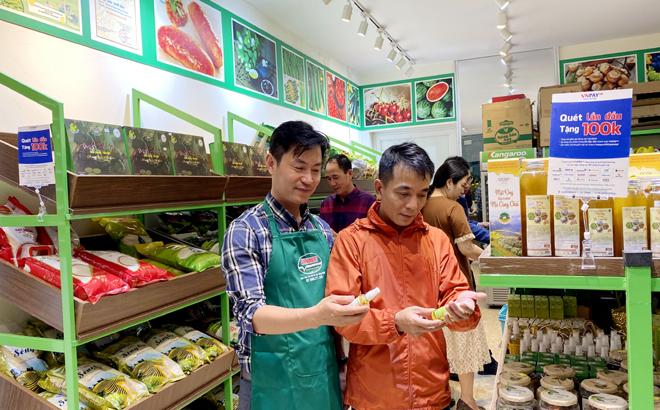 Annmart No.931, Dien Bien street, Dong Tam ward, Yen Bai city.