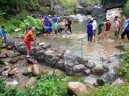 Mô hình điểm bơi an toàn tại huyện Lục Yên.