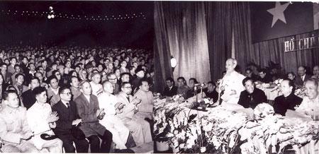 Chủ tịch Hồ Chí Minh phát biểu tại Lễ kỷ niệm lần thứ 35 Ngày thành lập Đảng Lao động Việt Nam.