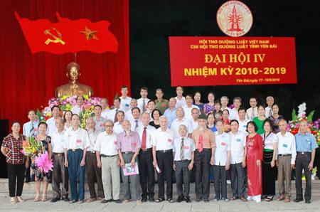 Các đại biểu dự Đại hội IV, nhiệm kỳ 2016 - 2019 Chi hội Thơ Đường luật tỉnh Yên Bái.