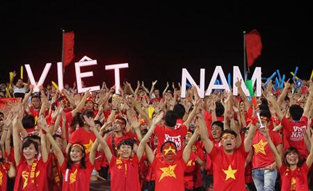 Người hâm mộ luôn sát cánh cùng các đội tuyển quốc gia.