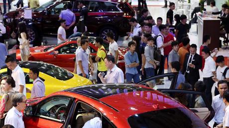 Trong một thập niên, thị trường ôtô nhập khẩu Việt Nam đã có 2 lần lập đỉnh rồi lại xuống đáy.