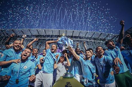 Man City sớm bước lên ngôi vương ở Premier League mùa 2017/18 mà không chịu sự cạnh tranh quá lớn.