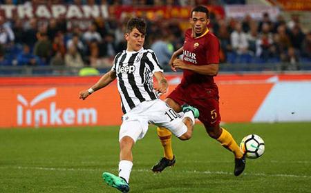 Juventus (trái) tiếp tục thống trị Serie A.