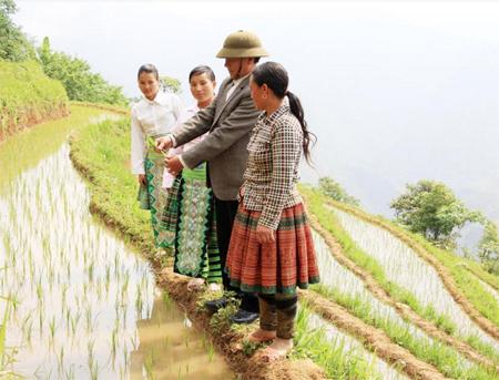 Những năm qua, Đảng bộ, chính quyền và nhân dân các dân tộc xã Làng Nhì luôn khắc sâu lời Bác dặn, nỗ lực, sáng tạo trong phát triển kinh tế, văn hóa, xã hội địa phương.