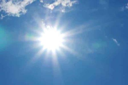Đợt nắng, nóng này sẽ kéo dài đến 23/5, người dân cần chú ý bảo vệ sức khoẻ, cũng như trong chăn nuôi, sản xuất hoa màu. (Ảnh minh hoạ)
