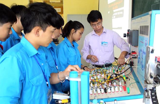 Học viên học nghề tại Trường Cao đẳng Nghề Yên Bái.