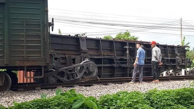 Hiện trường sự cố tàu hàng trật bánh tại khu gian Đặng Xá, tỉnh Nam Định. (Ảnh: Câu lạc bộ đam mê đường sắt).