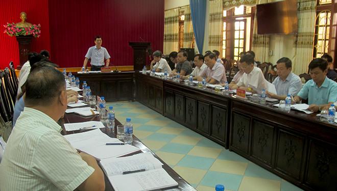Đồng chí Nguyễn Minh Tuấn - Trưởng ban Tuyên giáo Tỉnh ủy, Trưởng đoàn công tác phát biểu kết luận Hội nghị.