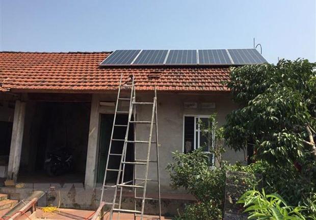 Triển khai lắp đặt điện Mặt Trời áp mái cho người dân.