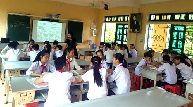Một buổi ôn tập của học sinh lớp 9 Trường PTDTNT THCS huyện Văn Chấn.