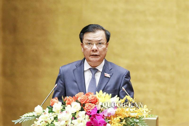 Bộ trưởng Bộ Tài chính Đinh Tiến Dũng trình bàyTờ trình
