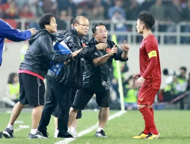 HLV Park Hang-seo và trợ lí Lee Young-jin đã có trong tay danh sách 23 tuyển thủ tốt nhất ở thời điểm này để đưa sang Thái Lan dự King's Cup 2019.