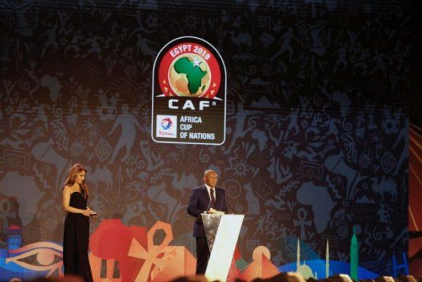 FIFA điều tra tham nhũng Chủ tịch Liên đoàn Bóng đá châu Phi Chủ tịch CAF Ahmad Ahmad.