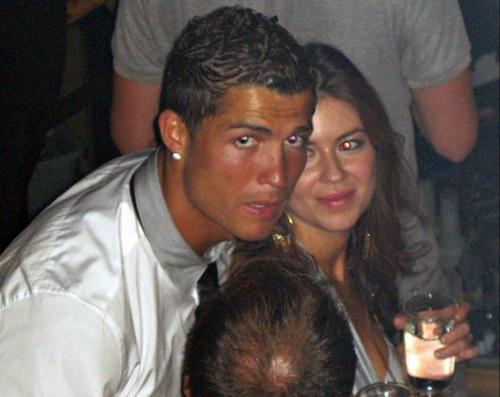 Ronaldo (trái) và Kathryn trong hộp đêm tại Las Vegas năm 2009.