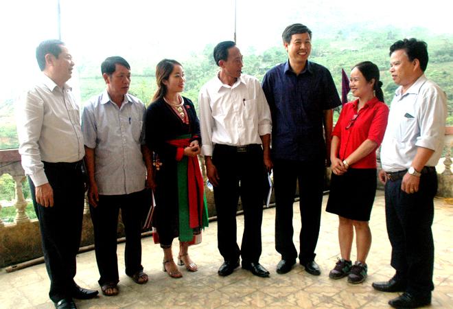 Đoàn đại biểu Quốc hội tỉnh trao đổi về thực hiện các nhiệm vụ phát triển kinh tế - xã hội năm 2019.