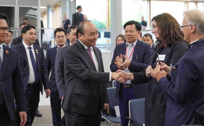 Thủ tướng Nguyễn Xuân Phúc gặp mặt đại diện doanh nghiệp Việt Nam-Na Uy.