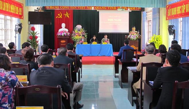 Trong rút kinh nghiệm tổ chức đại hội chi, đảng bộ cơ sở, Thị ủy Nghĩa Lộ nhấn mạnh hướng dẫn xây dựng dự thảo chương trình hành động và thảo luận tại đại hội.