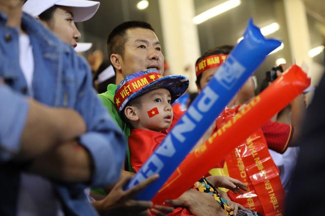 Hàng triệu con tim đang hướng về đội tuyển Việt Nam.