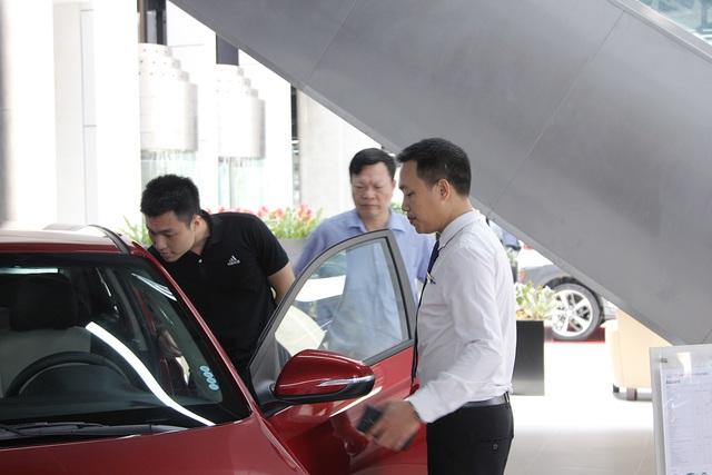 Chính phủ đang đưa ra hàng loạt chính sách ưu ái cho xe trong nước.