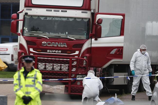 Xe tải chở container chứa 39 thi thể người Việt được phát hiện tại hạt Essex, Anh hôm 23/10/2019.
