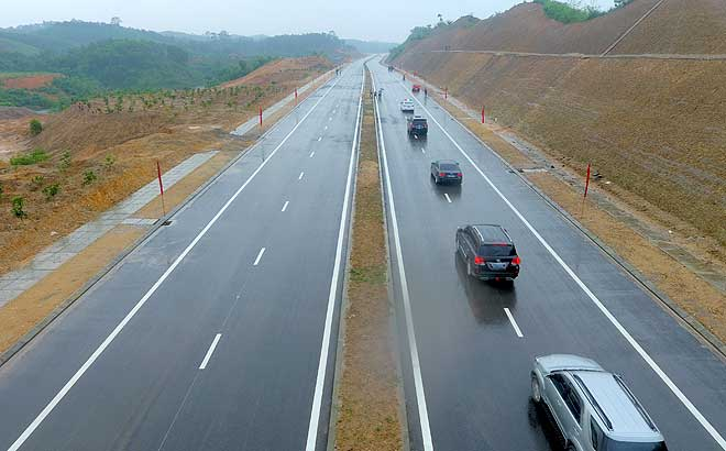 The road connecting national highway 32C and Noi Bai-Lao Cai expressway will optimise the development of Yen Bai city and Tran Yen district toward the right bank of Red River.