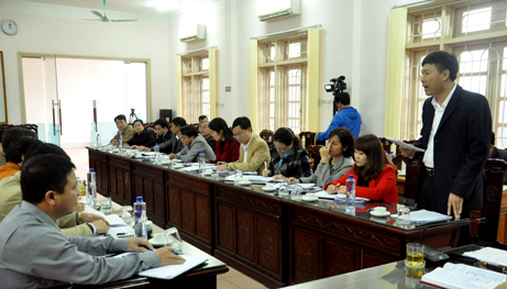Đoàn đại biểu Quốc hội khóa XIV tỉnh Yên Bái giám sát thực hiện chính sách, pháp luật về cải cách tổ chức bộ máy hành chính Nhà nước giai đoạn 2011 - 2016, tại huyện Yên Bình.